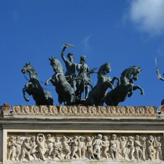 Politeama Garibaldi, cavalli